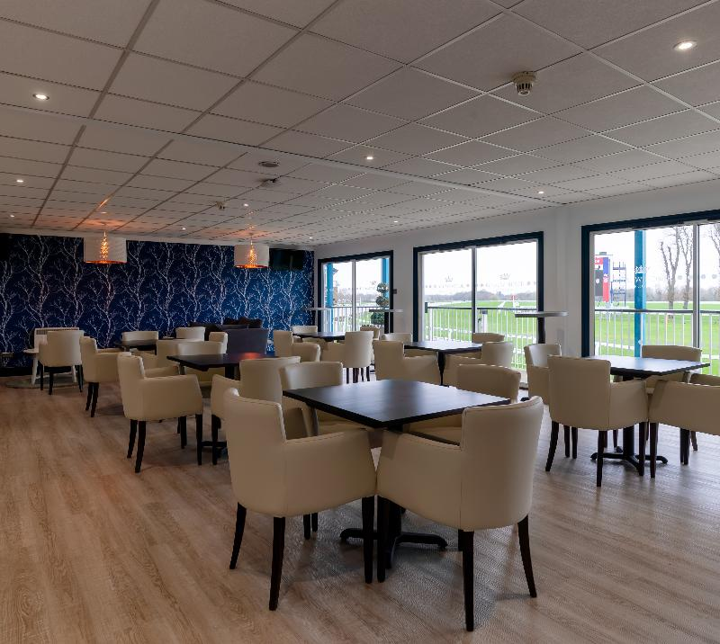 Owners & Trainers lounge at Royal Windsor Racecourse